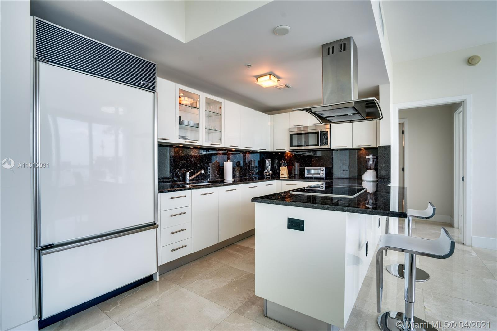 6899 Collins Ave #1210 photo09