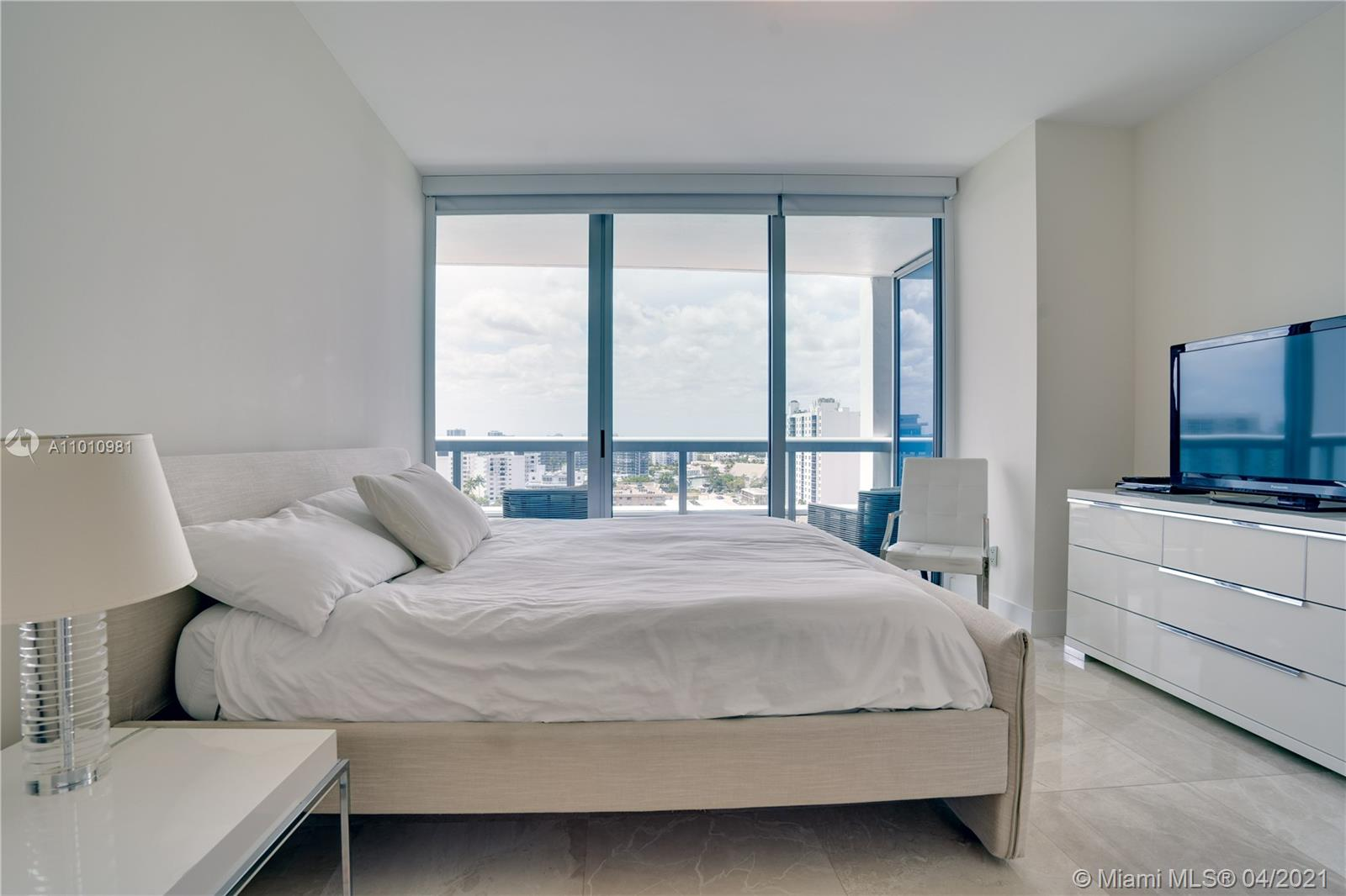 6899 Collins Ave #1210 photo018