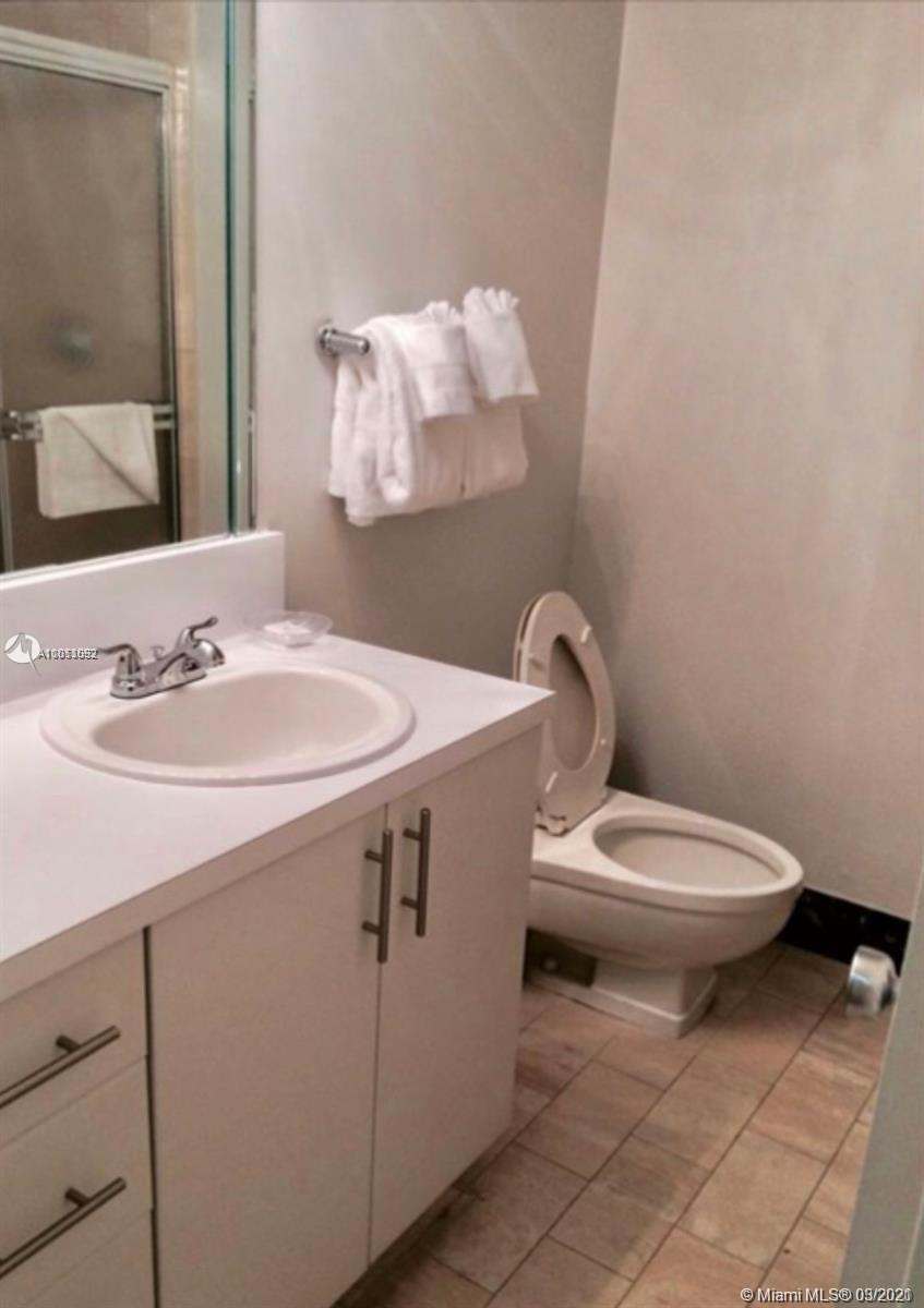5225 Collins Ave #1205 photo03