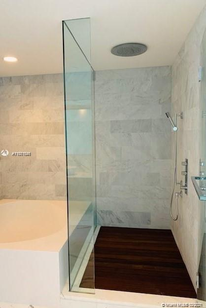 10203 Collins Ave #903 photo06