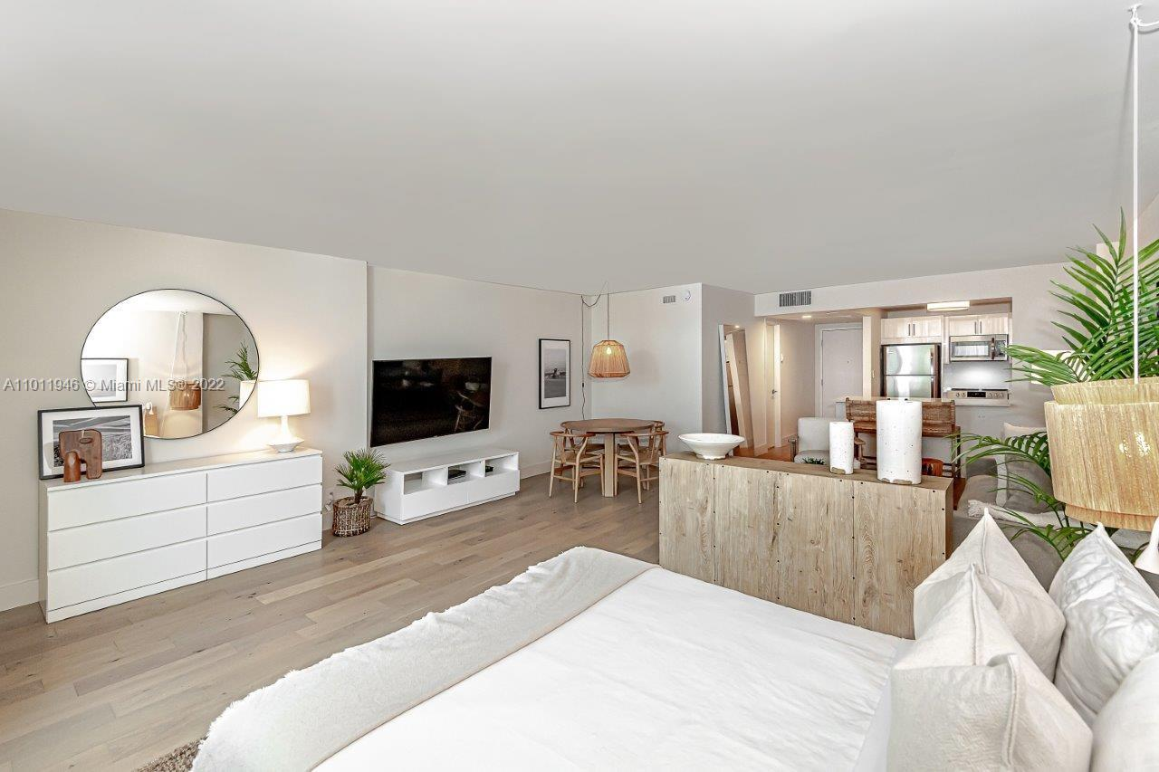 Roney Palace #436 - 2301 Collins Ave #436, Miami Beach, FL 33139