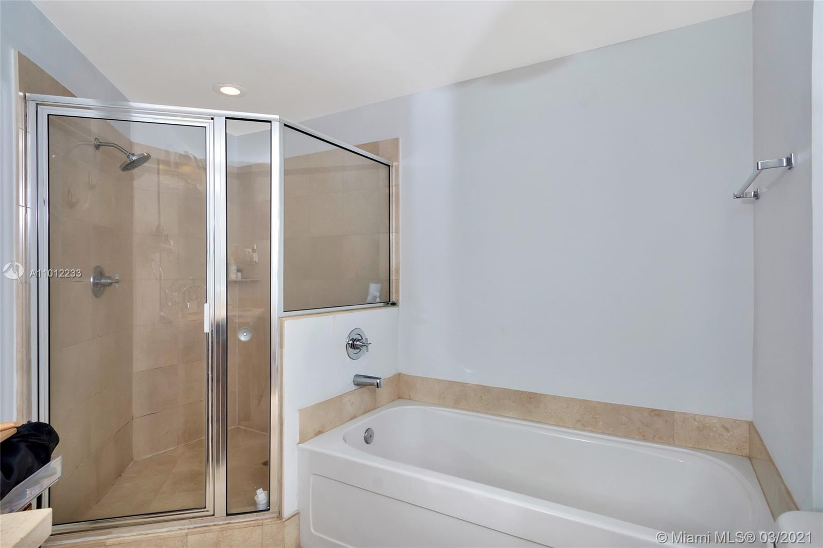 1111 SW 1st Ave #1625-N photo013