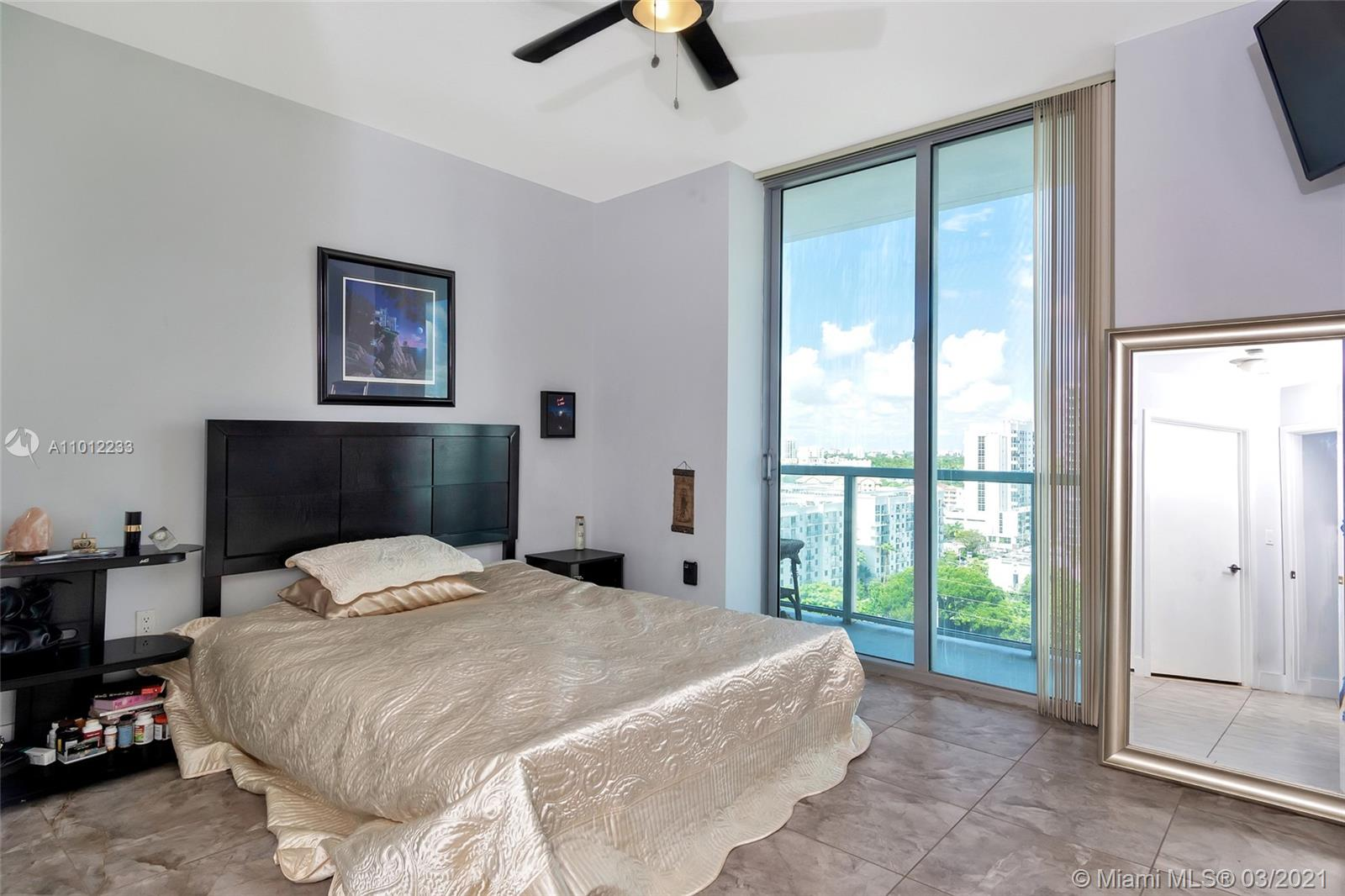 1111 SW 1st Ave #1625-N photo012