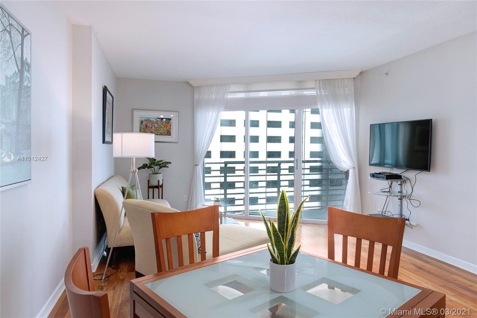 335 S Biscayne Blvd #1702 photo06