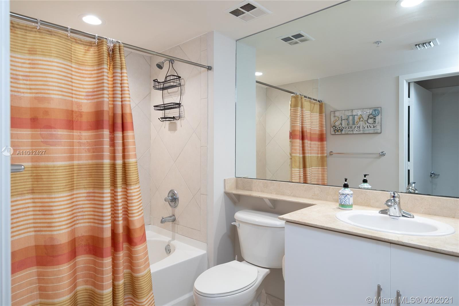 335 S Biscayne Blvd #1702 photo018