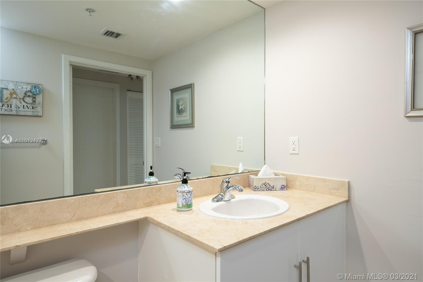 335 S Biscayne Blvd #1702 photo019
