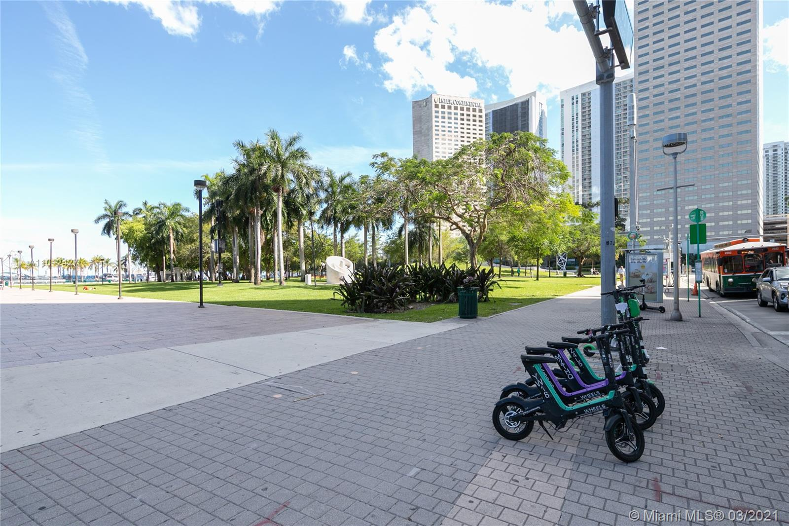 335 S Biscayne Blvd #1702 photo035