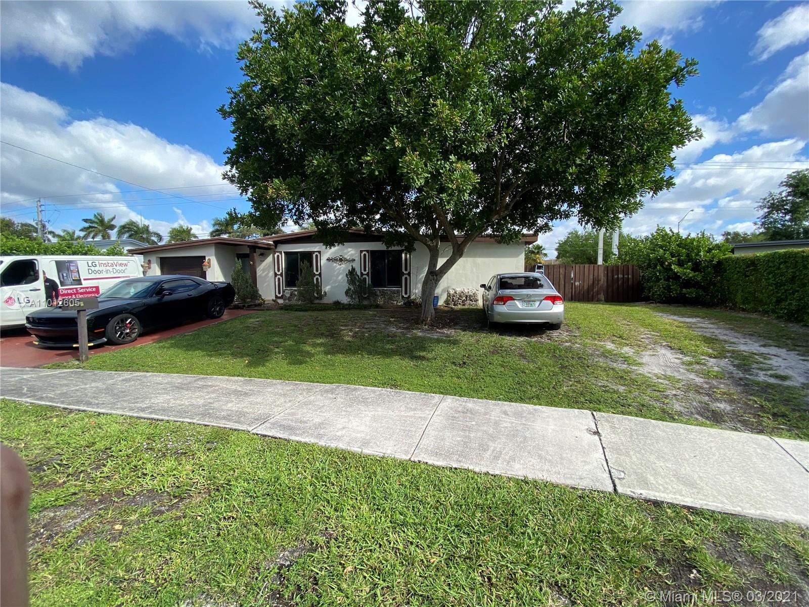 8251 NW 185th Ter photo035
