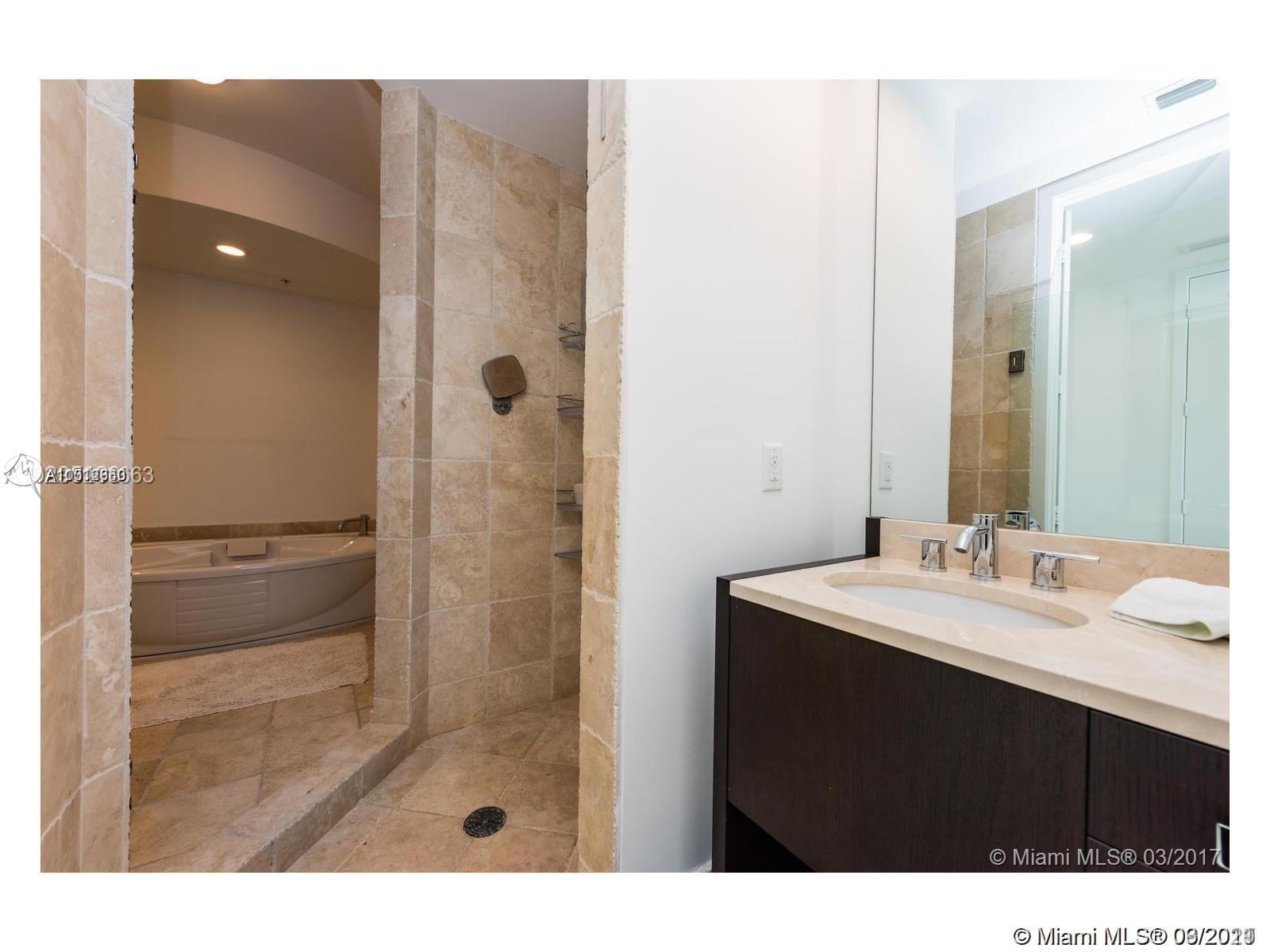 18201 Collins Ave #3308 photo020