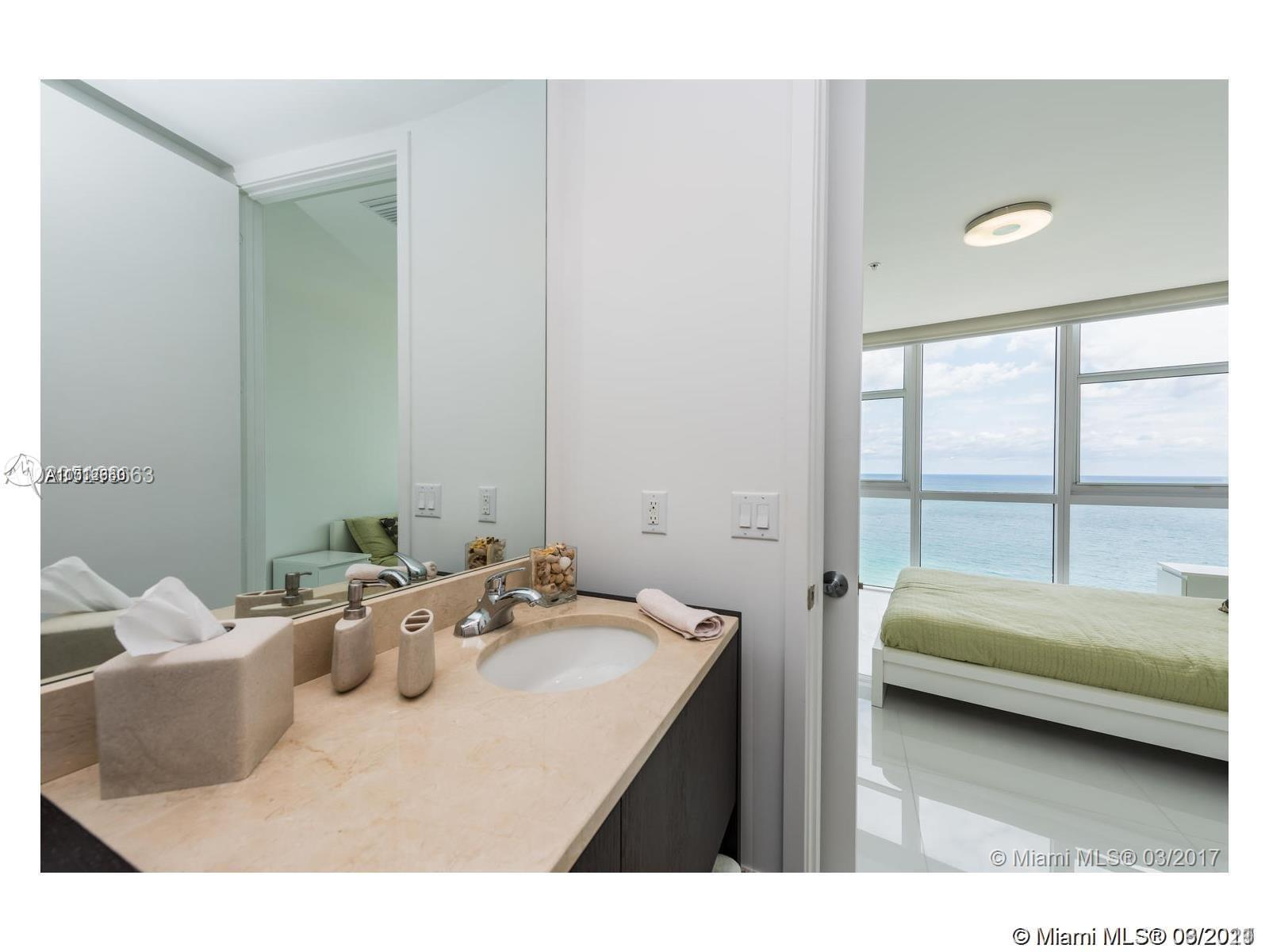 18201 Collins Ave #3308 photo014