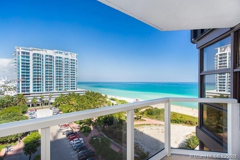 6423 Collins Ave #1009 photo01
