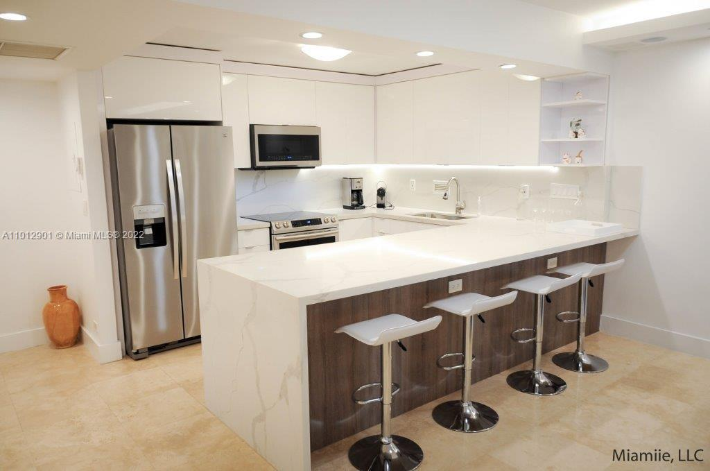 Roney Palace #310 - 2301 Collins Ave #310, Miami Beach, FL 33139
