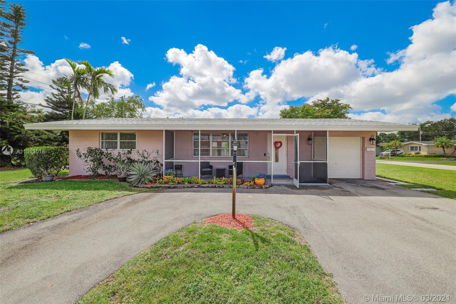 Boulevard Heights - 7920 NW 16th St, Pembroke Pines, FL 33024
