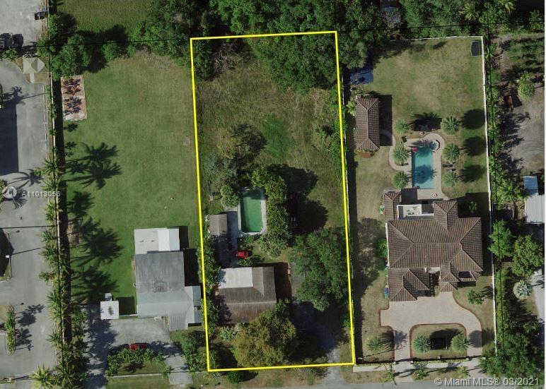 Bisc Gardens - 131 NW 154th St, Miami, FL 33169