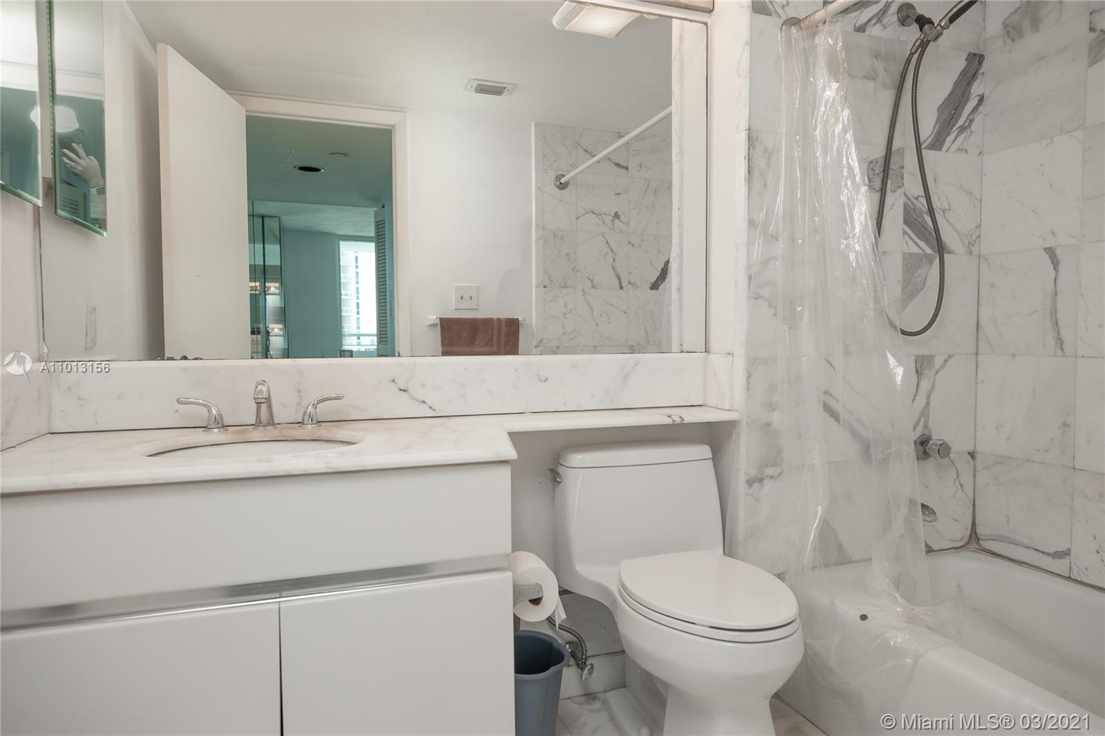 400 S Pointe Dr #2308 photo010