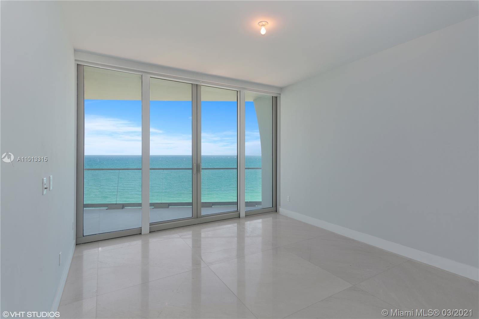 16901 Collins Ave #1802 photo04