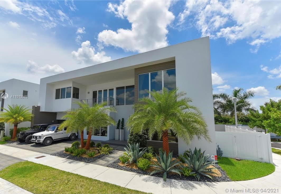 Doral Commons Residential - 10320 NW 74th Ter, Doral, FL 33178