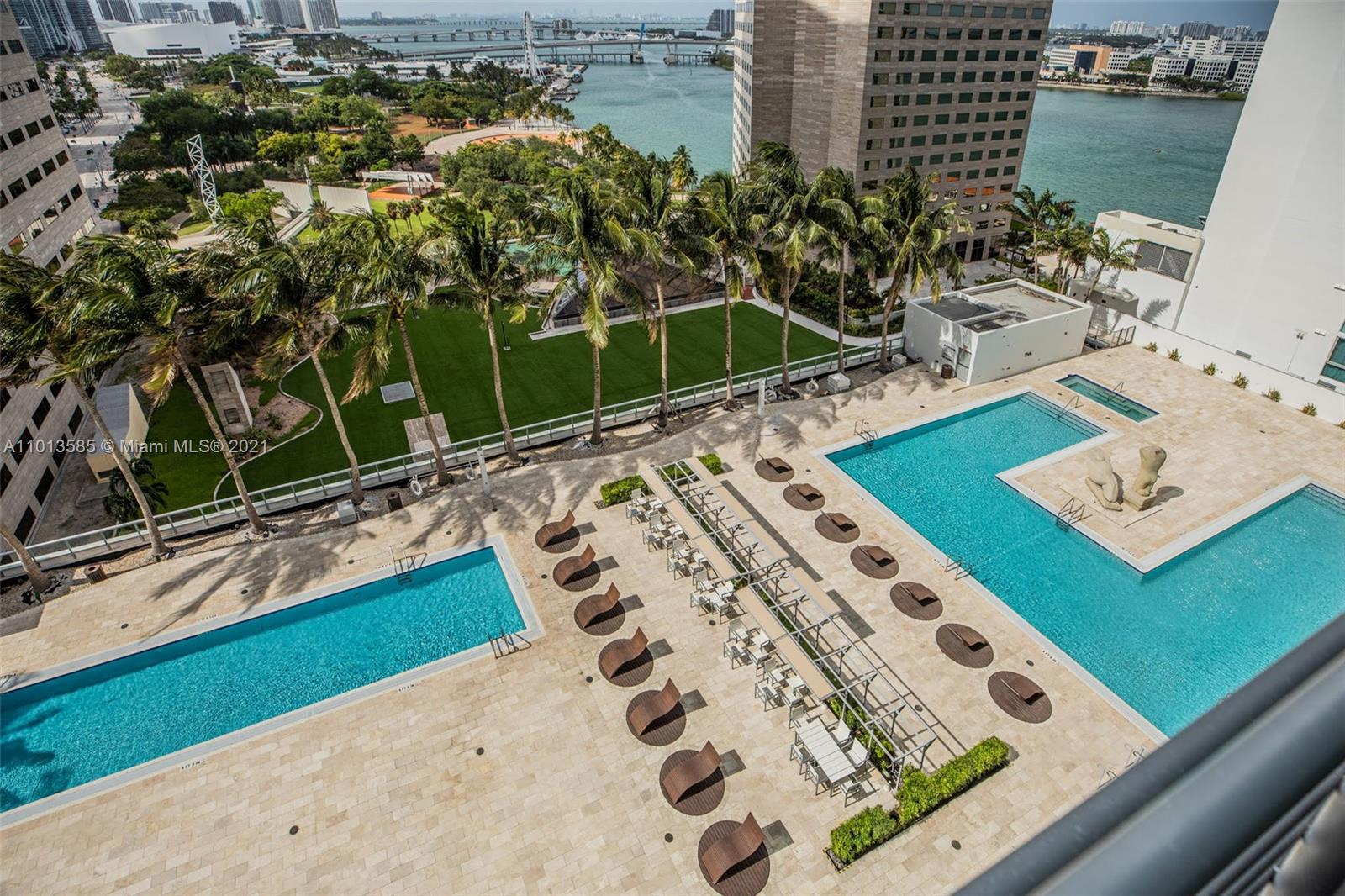 325 S Biscayne Blvd #1918 photo018