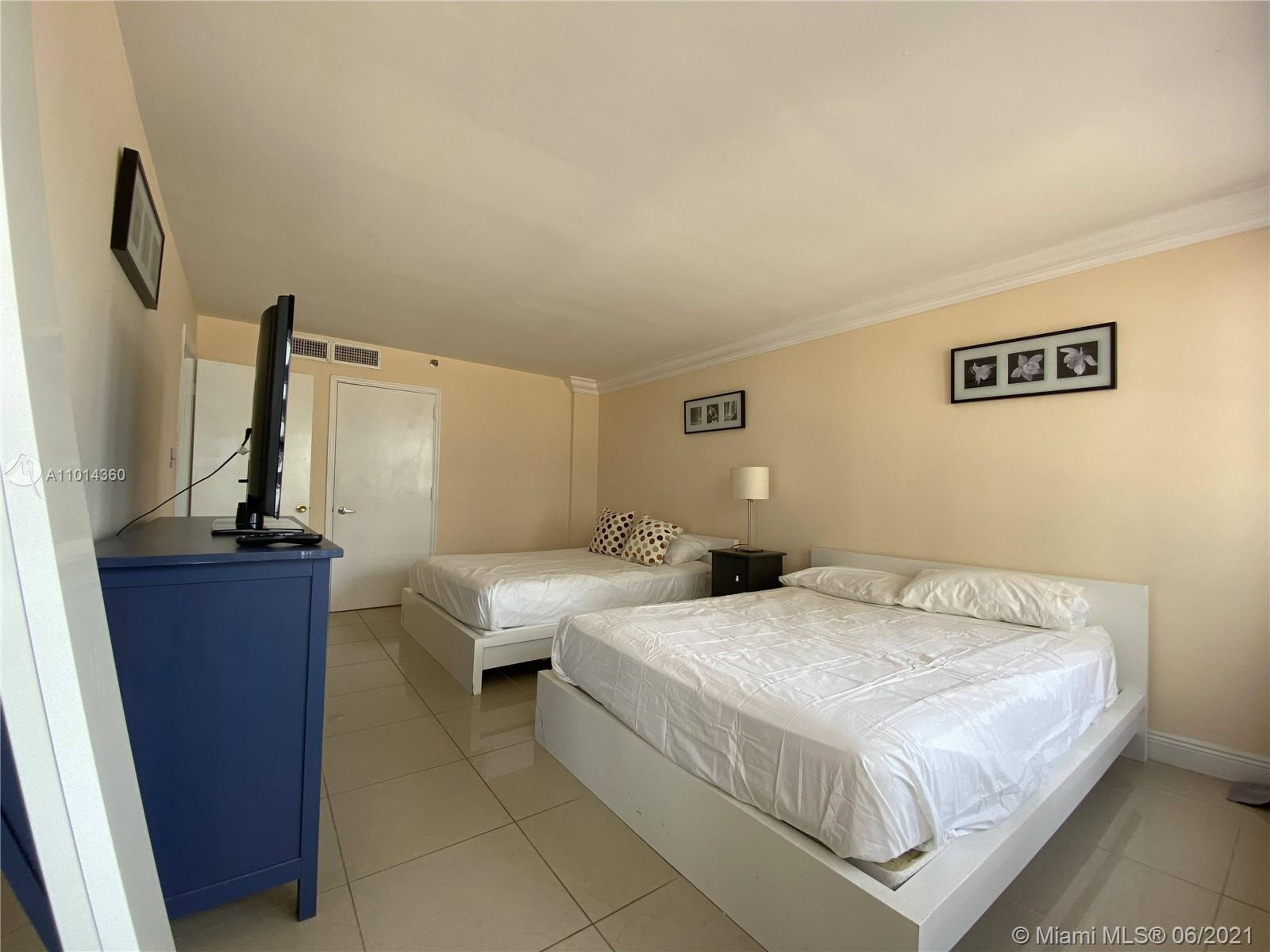 5225 Collins Ave #407 photo023
