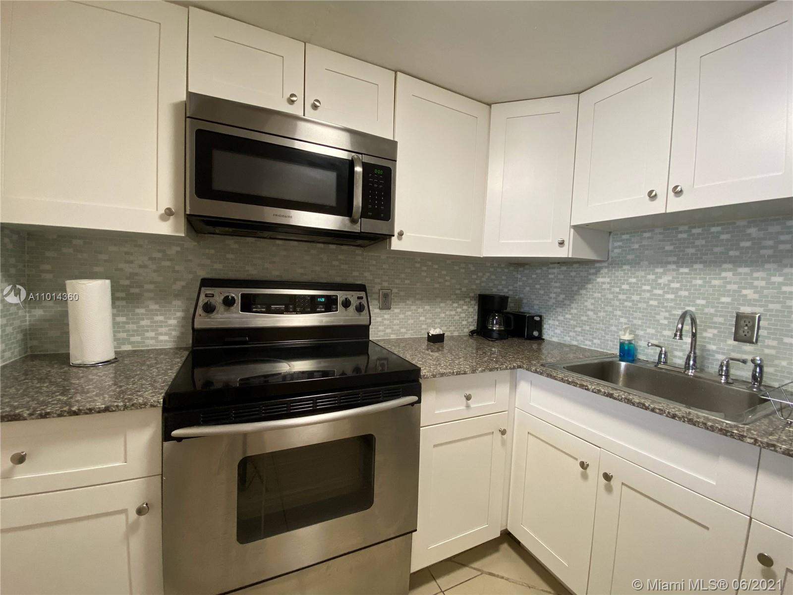 5225 Collins Ave #407 photo06