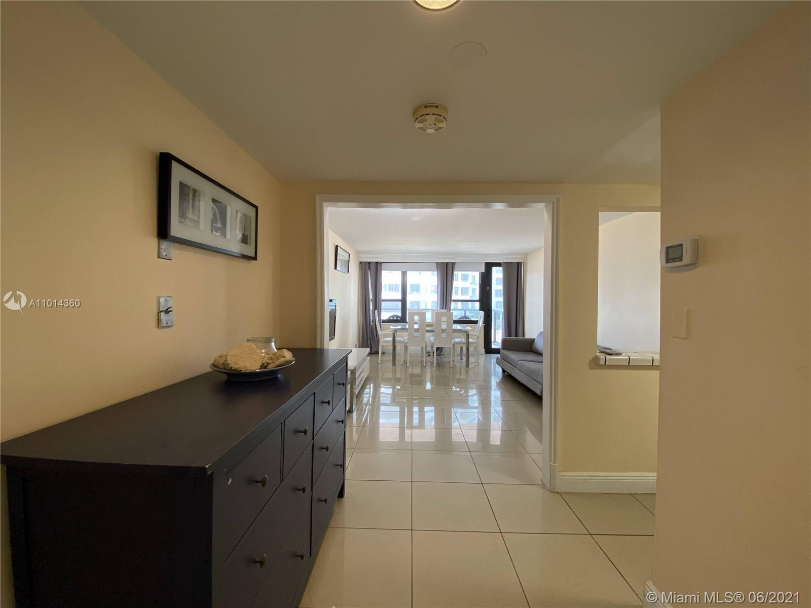 5225 Collins Ave #407 photo03