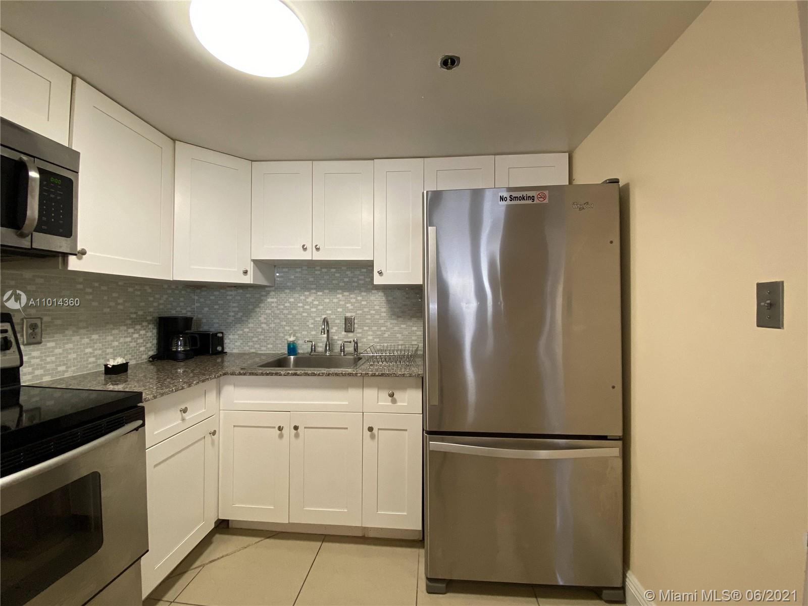 5225 Collins Ave #407 photo05