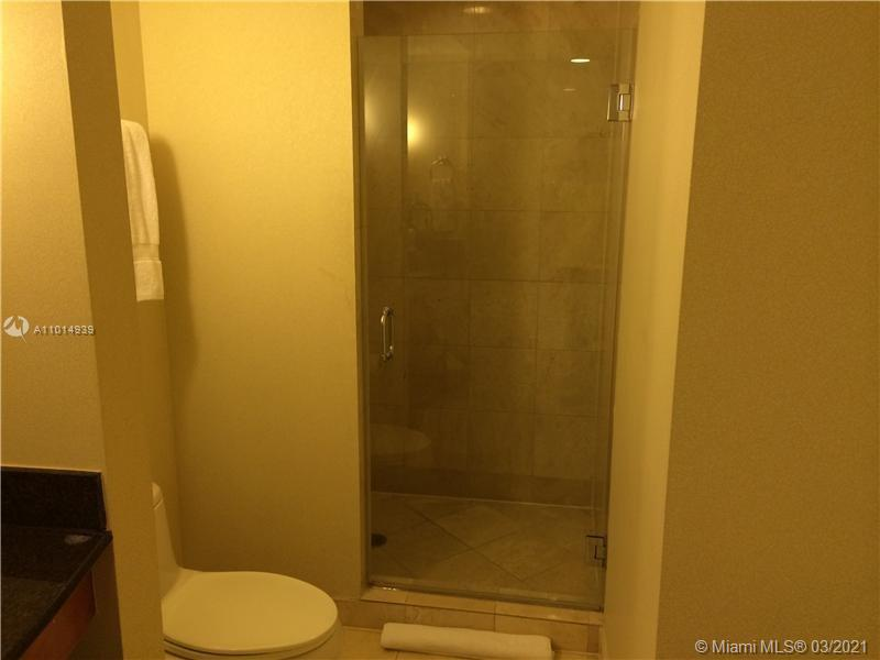 18001 Collins Ave #502 photo06