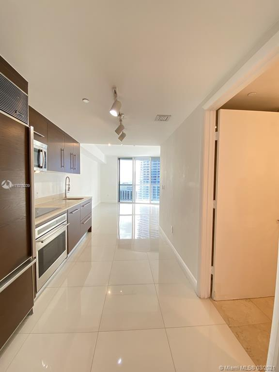 465 Brickell Ave #2904 photo05