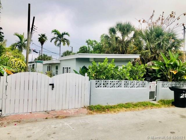 North Miami Beach - 2075 NE 135th Ter, North Miami Beach, FL 33181