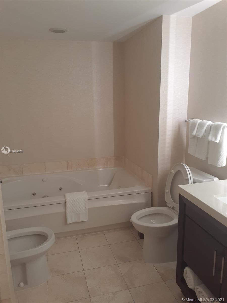 17375 Collins Ave #705 photo011