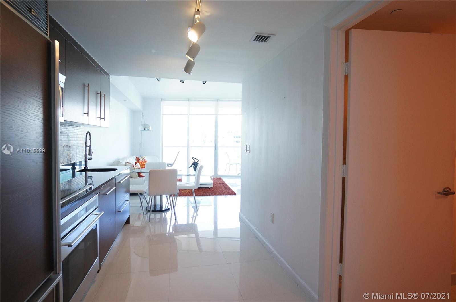 465 Brickell Ave #3904 photo07