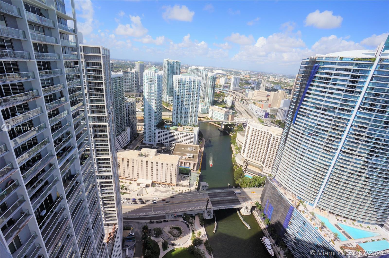 465 Brickell Ave #3904 photo024