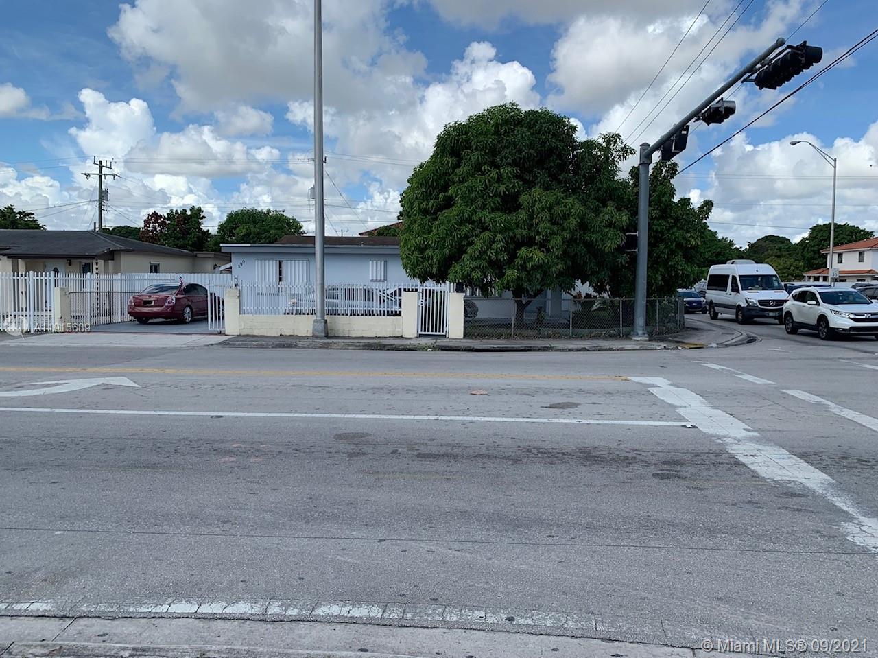 890 E 10th Ave photo09