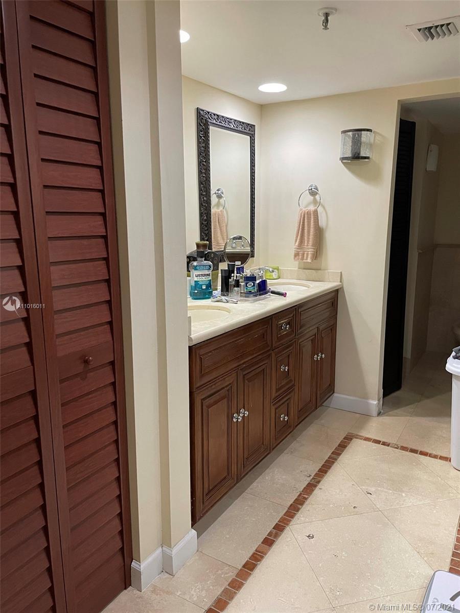 520 Brickell Key Dr #A1911 photo09