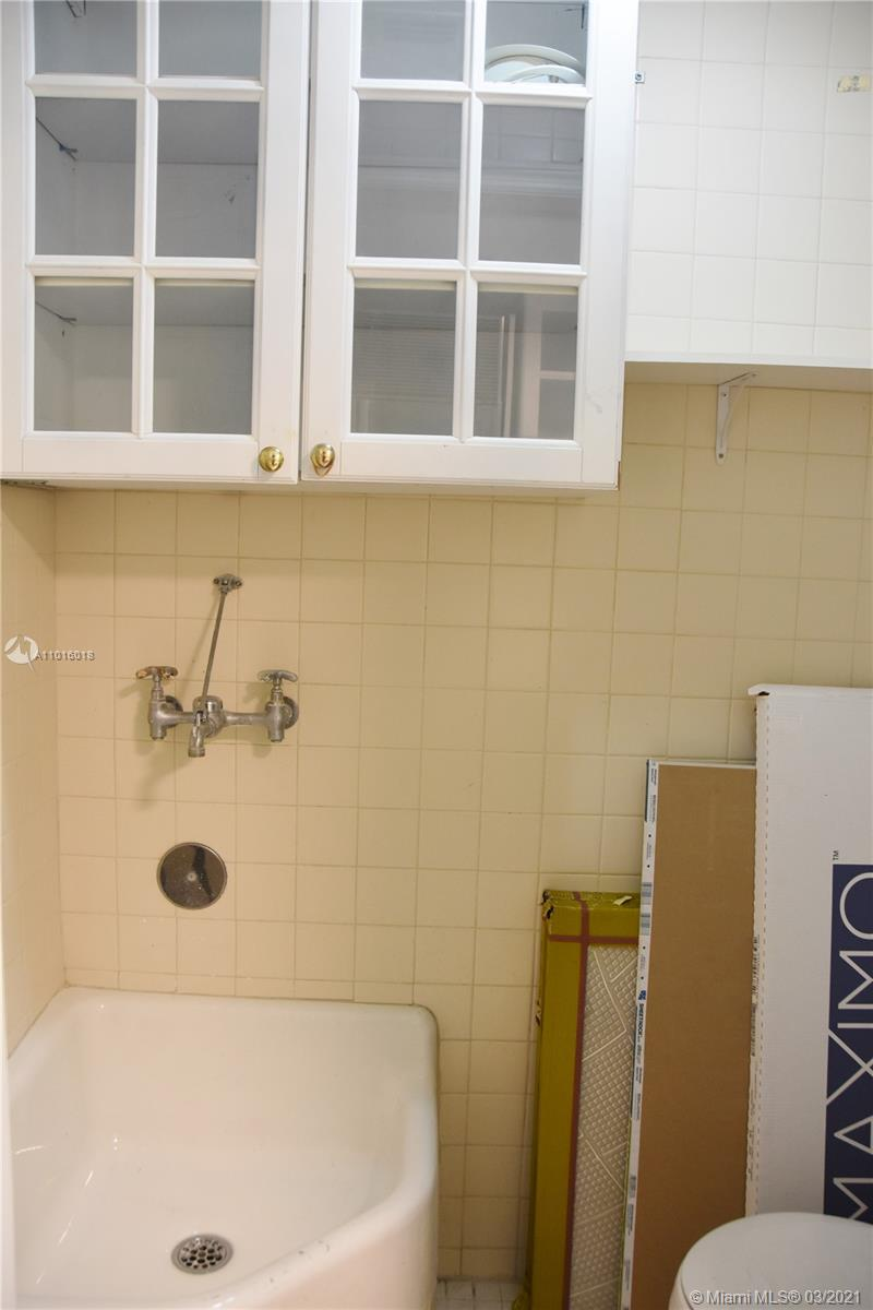 17875 Collins Ave #3406 photo044