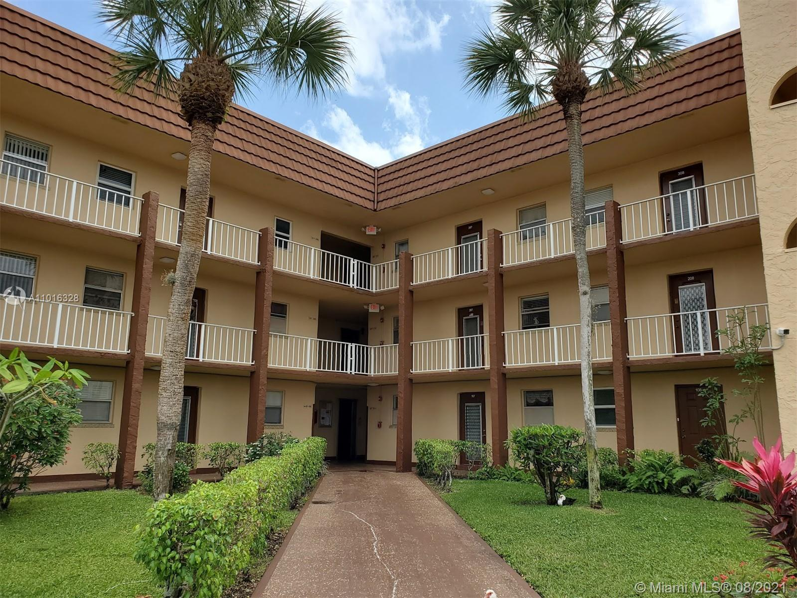 Property for sale at 2900 N Pine Island Rd Unit: 303, Sunrise,  Florida 33322