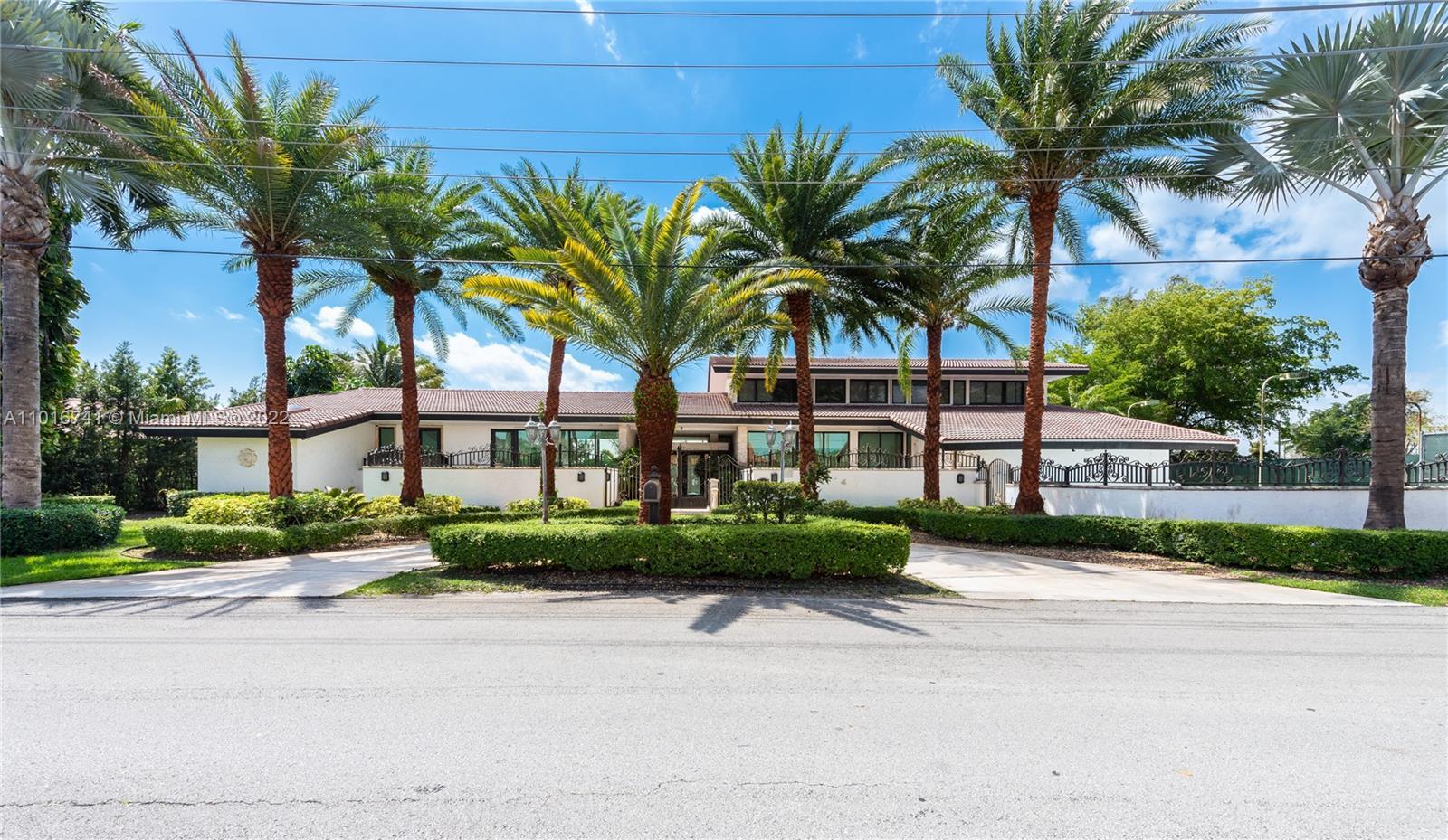 Country Club Of Miam - 6820 N Augusta Dr, Hialeah, FL 33015