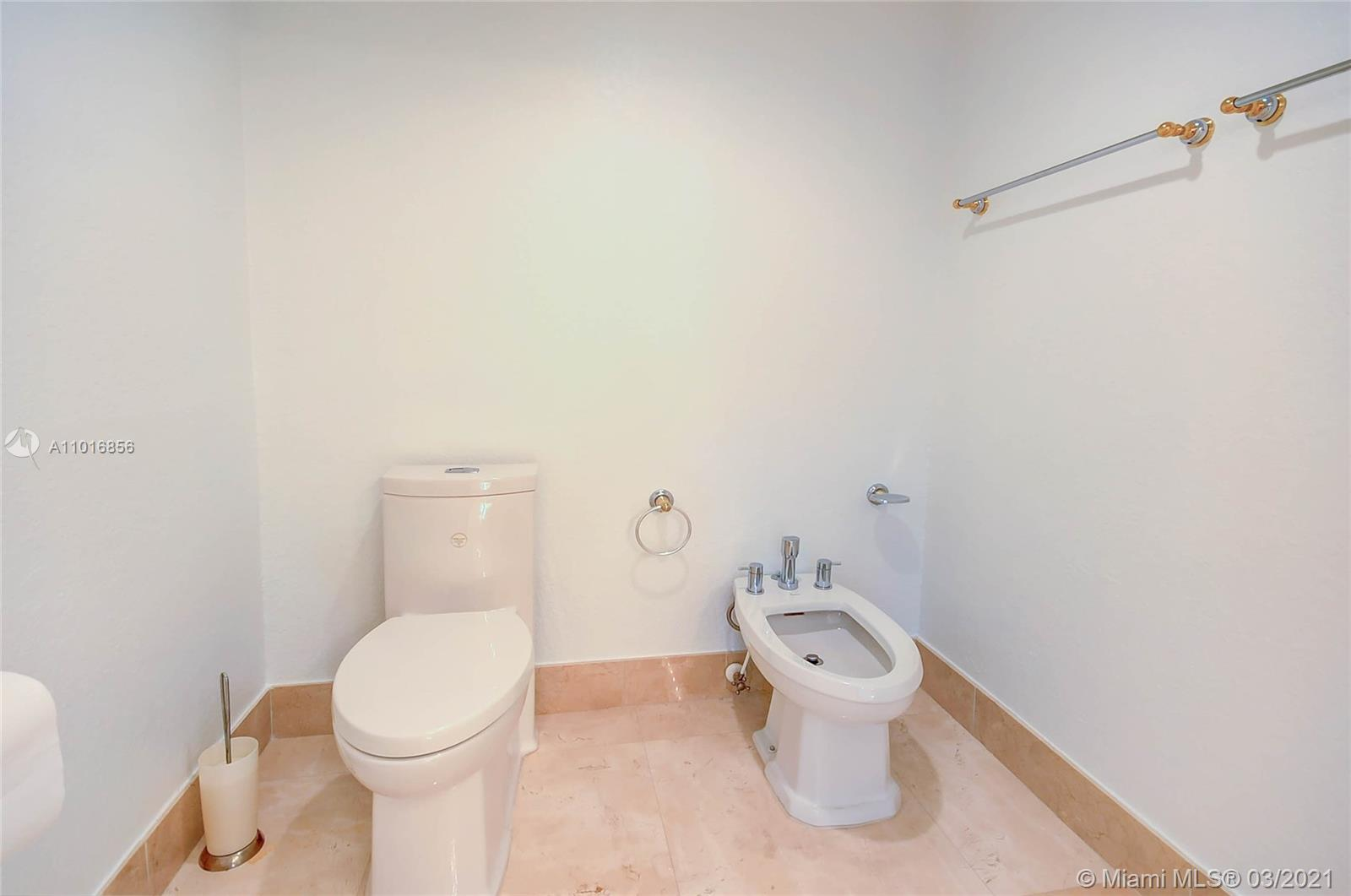 10700 NW 66th St #207 photo032