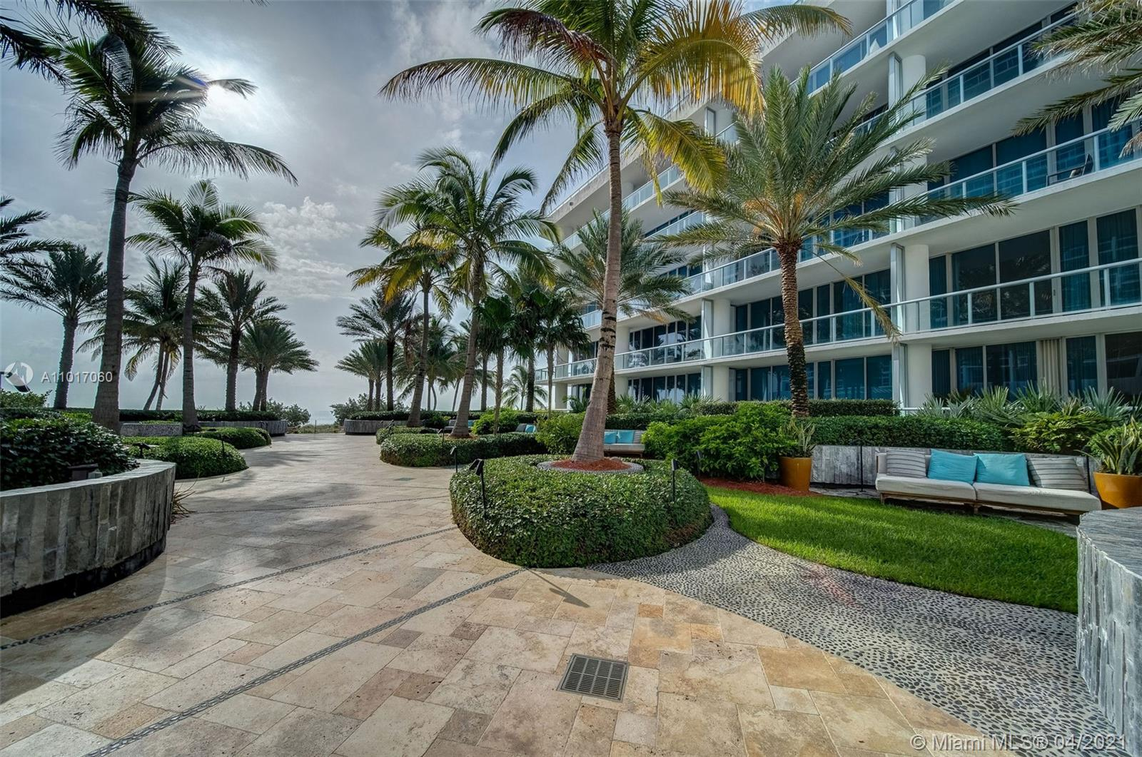 6801 Collins Ave #611 photo033
