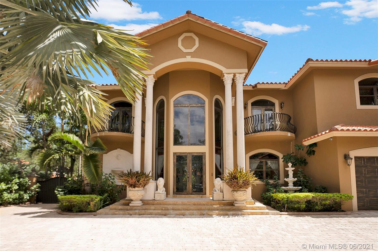 Miami Lakes - 8200 NW 163rd St, Miami Lakes, FL 33016