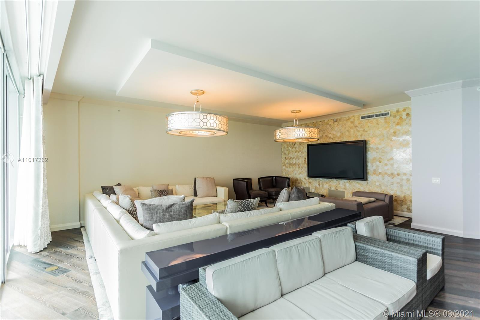 10295 Collins Ave #1203 photo08