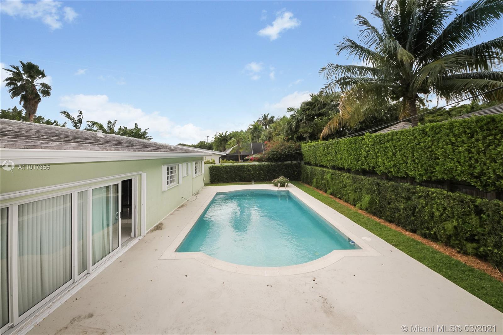 Tropical Isle Homes - 360 Heather Ln, Key Biscayne, FL 33149
