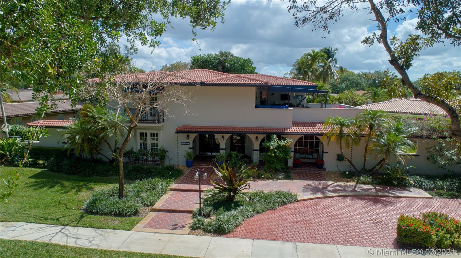 Miami Lakes - 15925 W Prestwick Pl, Miami Lakes, FL 33014