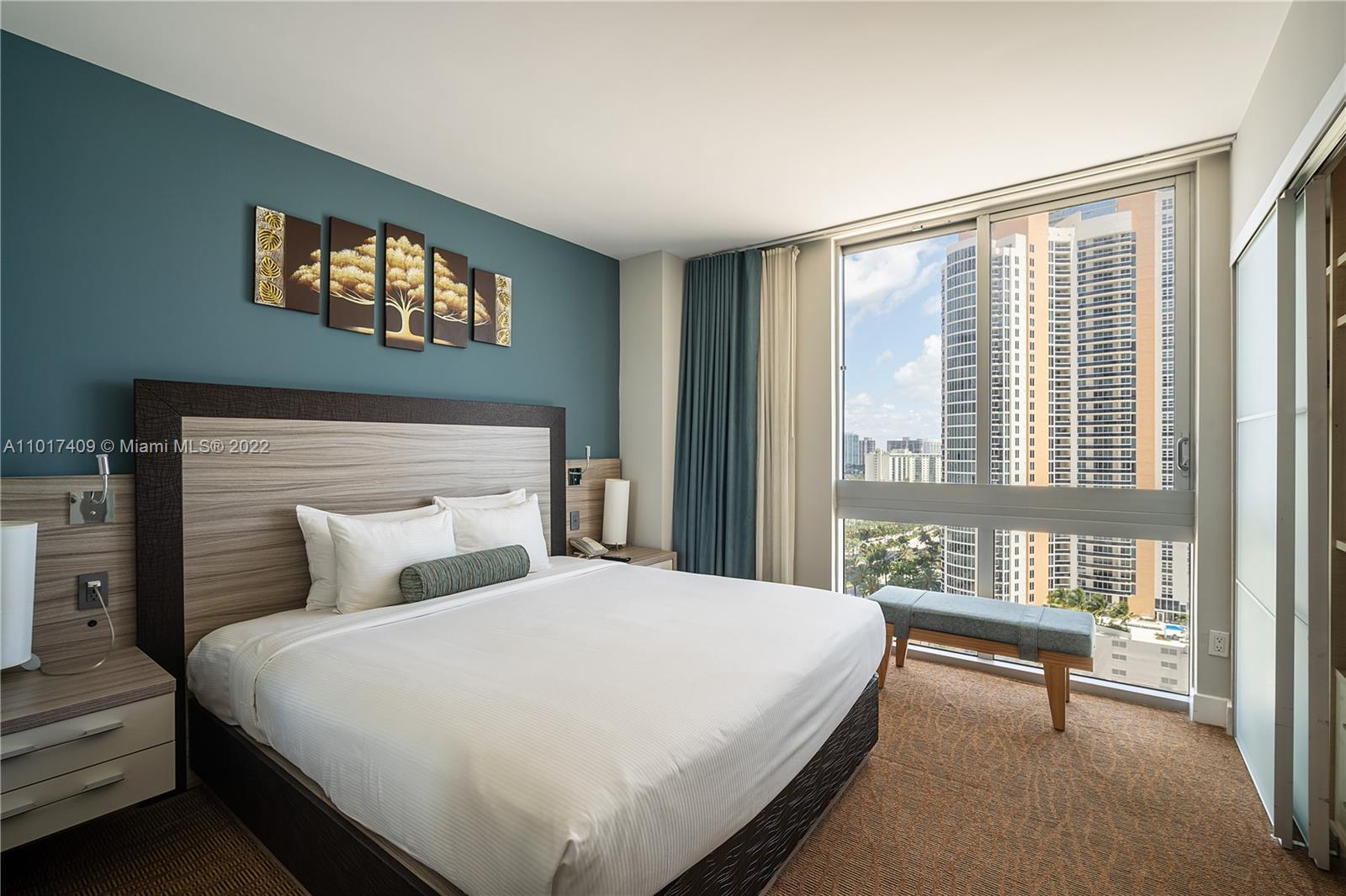 18683 Collins Ave #1804 photo05