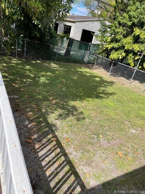 417 Cadagua Ave photo012