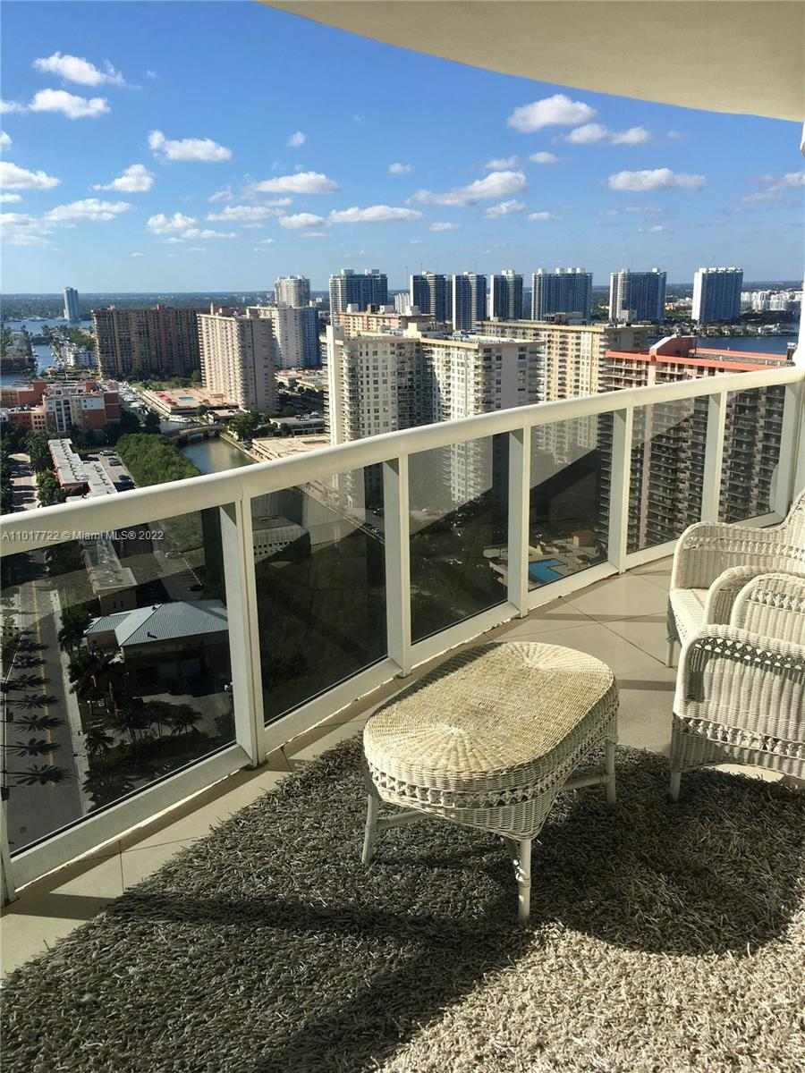 17201 Collins Ave #2907 photo06