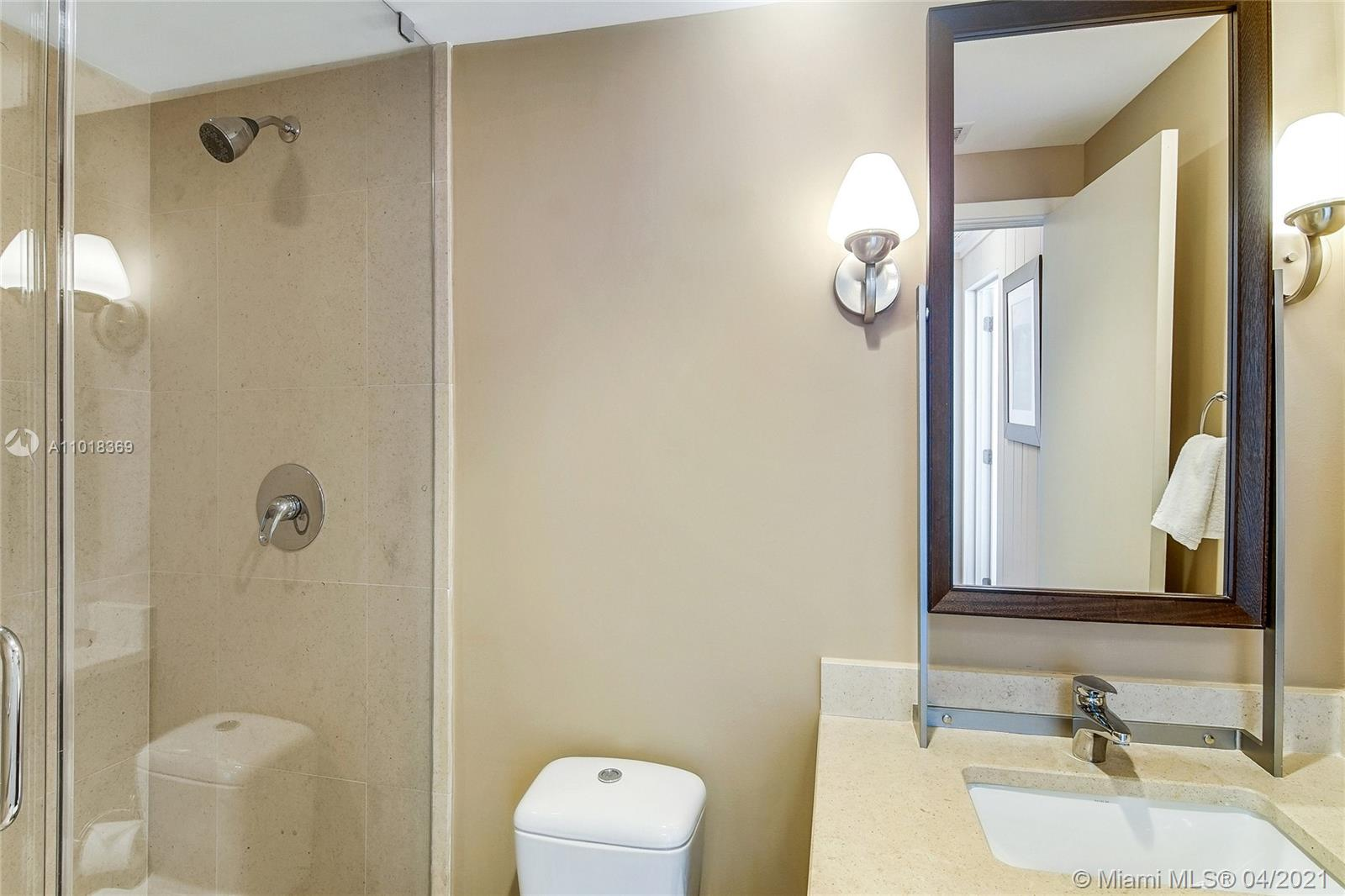 6899 Collins Ave #1405 photo06