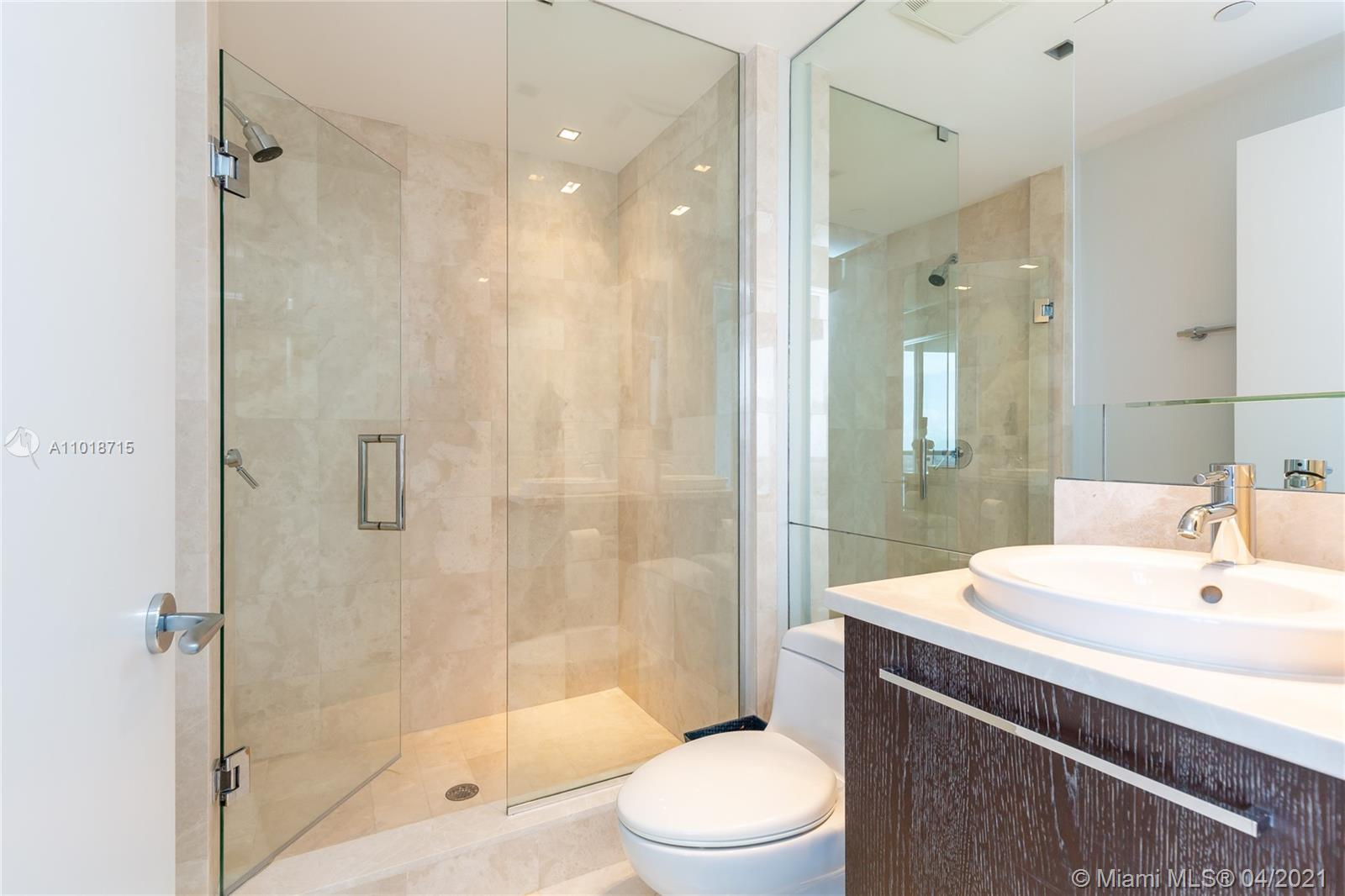 17121 Collins Ave #4208 photo022