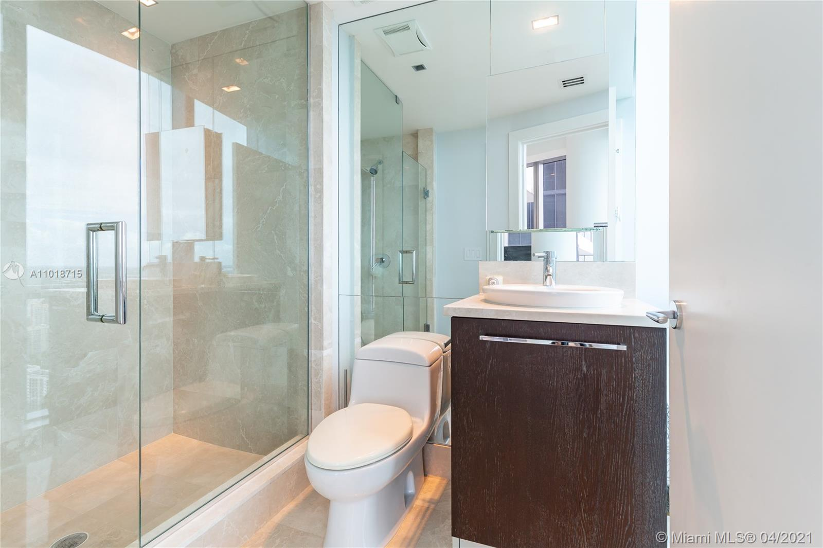 17121 Collins Ave #4208 photo020