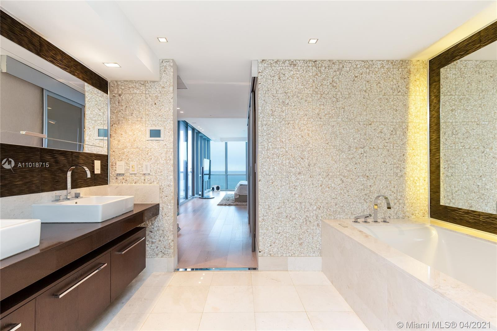 17121 Collins Ave #4208 photo09